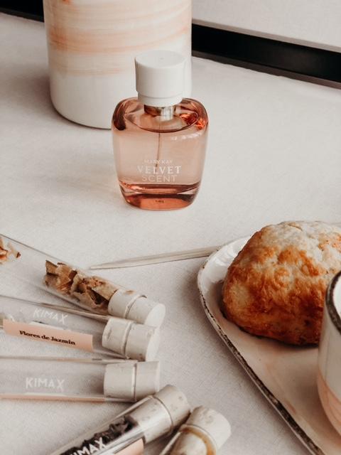 Experimentar está permitido, imagen de la fragancia Velvet Scent® de Mary Kay